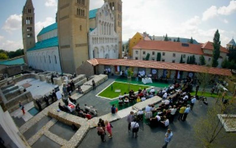 Janus Pannonius Prize goes to Simin Behbahani
